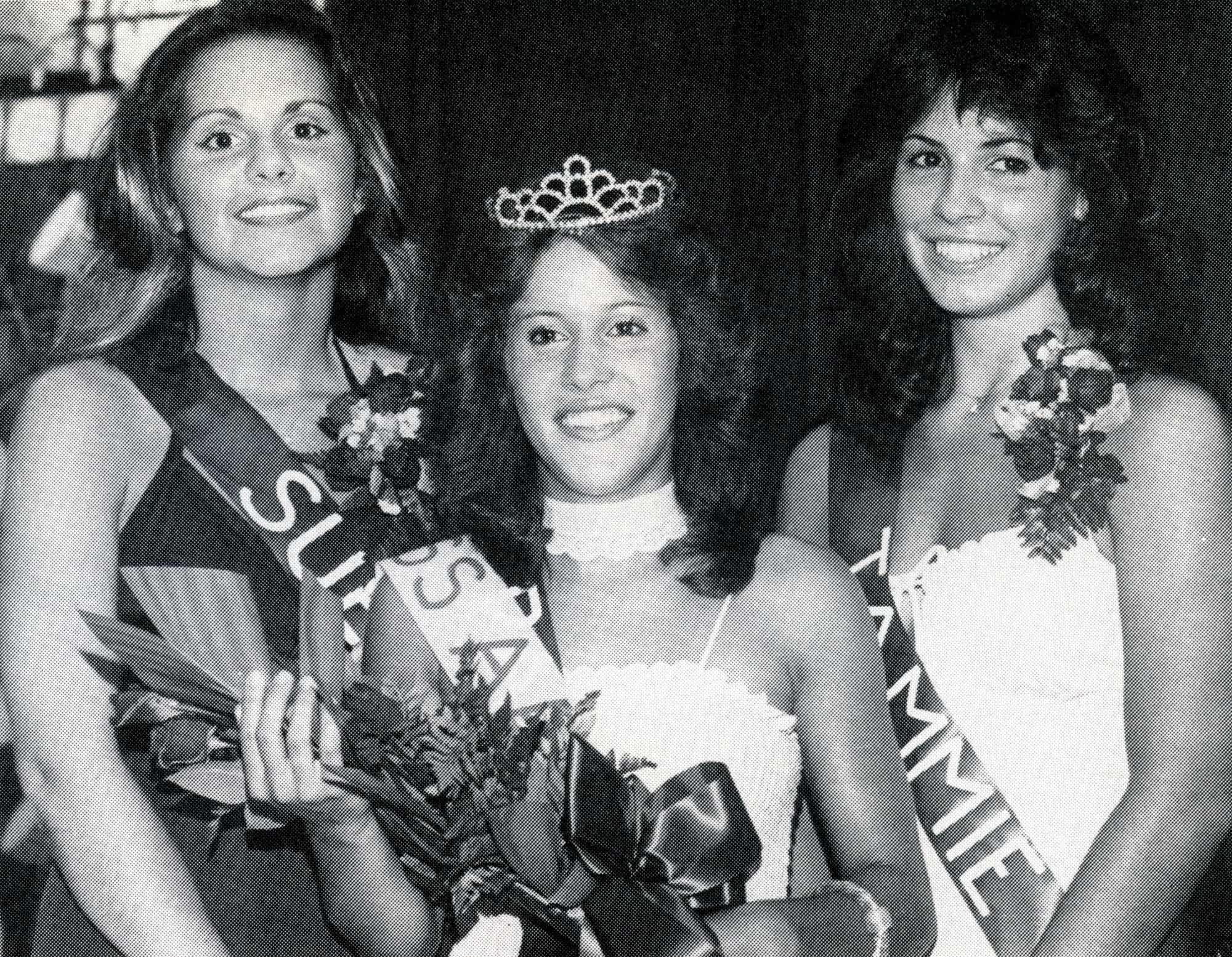 1978 AAABA Tourn Queen Pamela Studer C-Susan Miller L and Tamara Rishell R