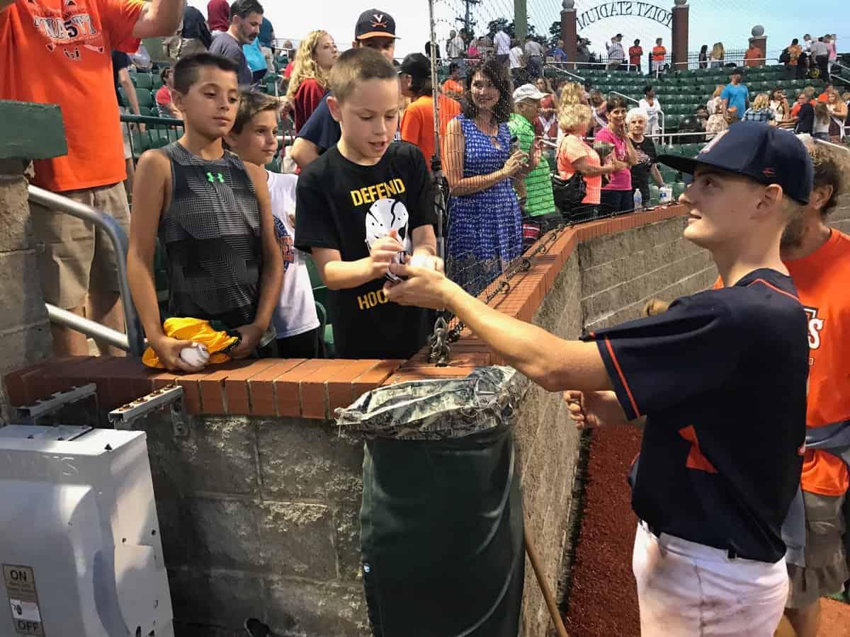 Brady Walker signs autographs
