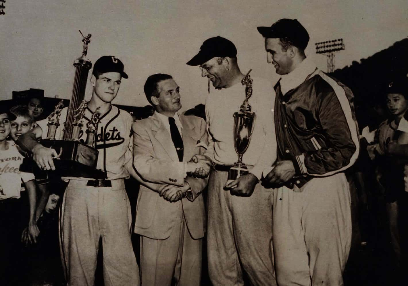 Brooklyn Cadets 1950 champs coach Jim McElroy AAABA Pres Arthur Bellone MGR Dan Hill MVP Frank Torre
