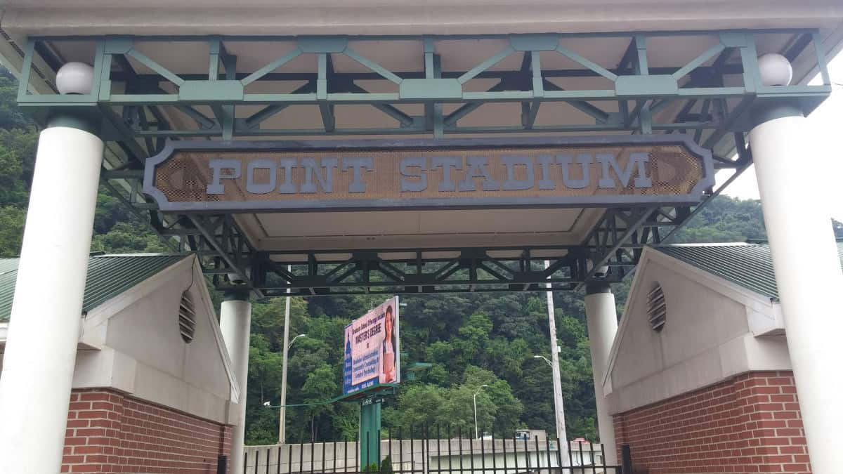 Point-Stadium-entrance