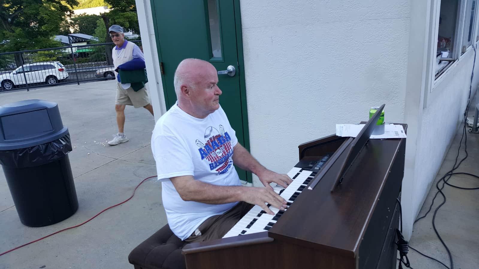 Rick Oswald organ