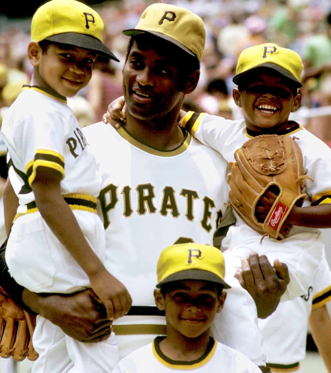 Roberto Clemente and sons 1972